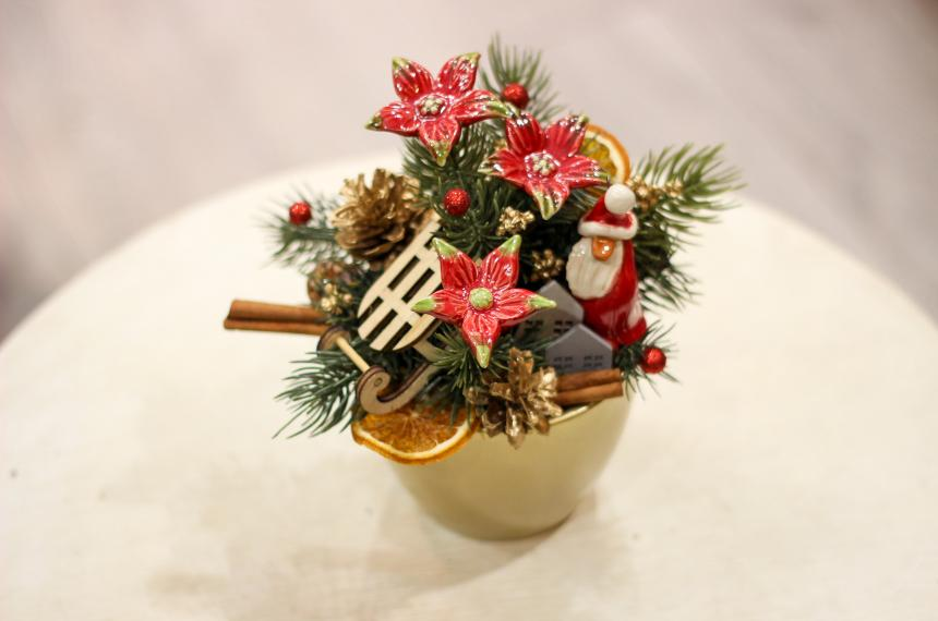 Ceramic flower: Christmas Table Decorations