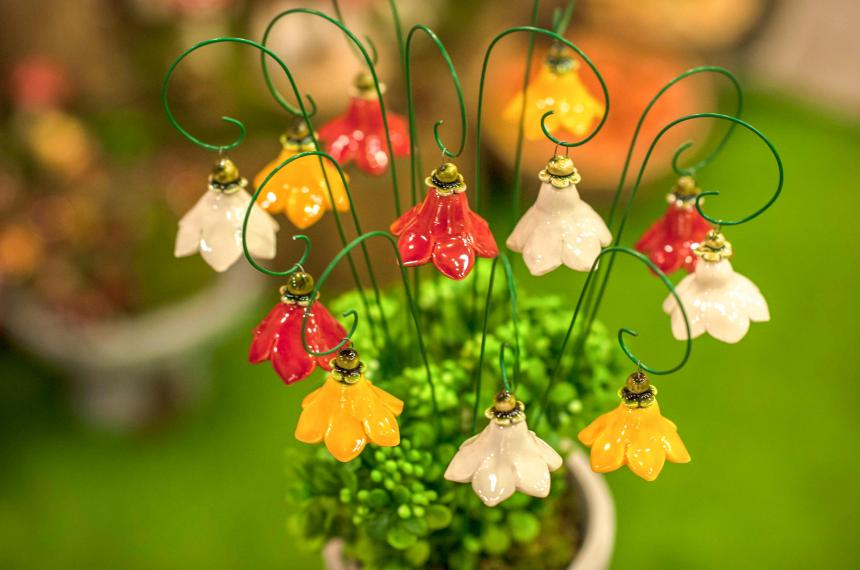 Ceramic flower: Hanging Flowers