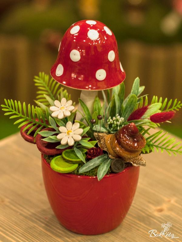 Ceramic flower: Large Centerpiece - Mushroom and Snail