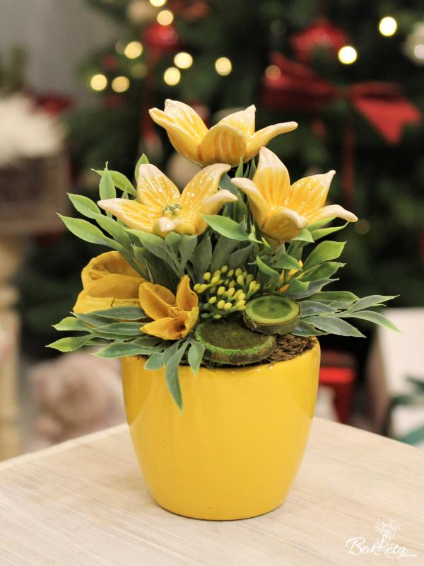 Ceramic flower: Mini Centerpiece - Yellow Starflower