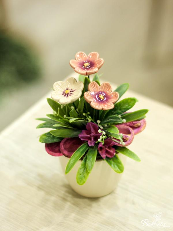 Ceramic flower: Mini Centerpiece - African Violet