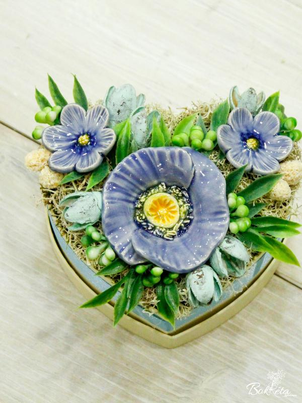Ceramic flower: Mini Flower Box Heart - Windflower and African Violet