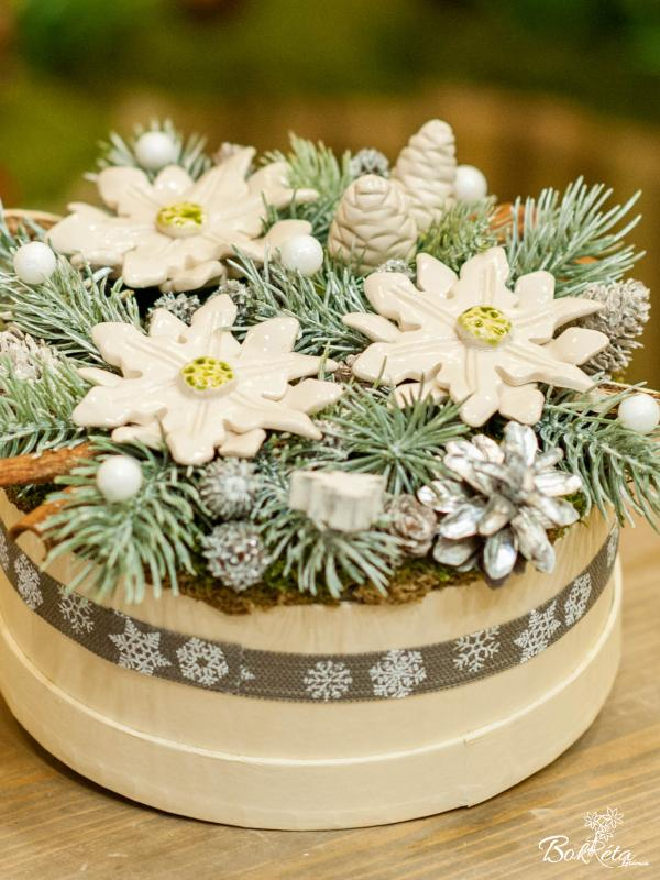 Ceramic flower: Middle Christmas Flower Box - Poinsettia and Pine Cone