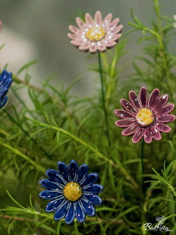 Ceramic flower: Meadow Daisy