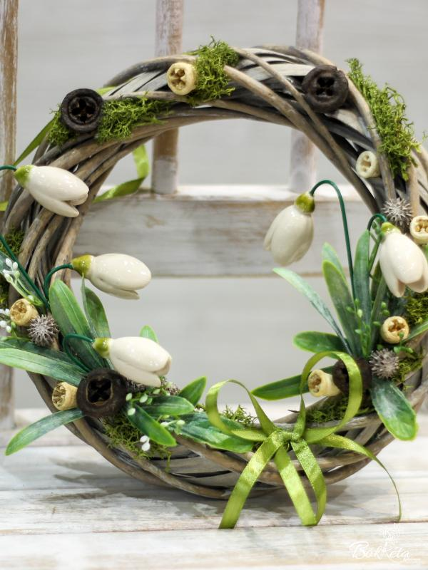 Ceramic flower: Middle Door Wreath - Snowdrops