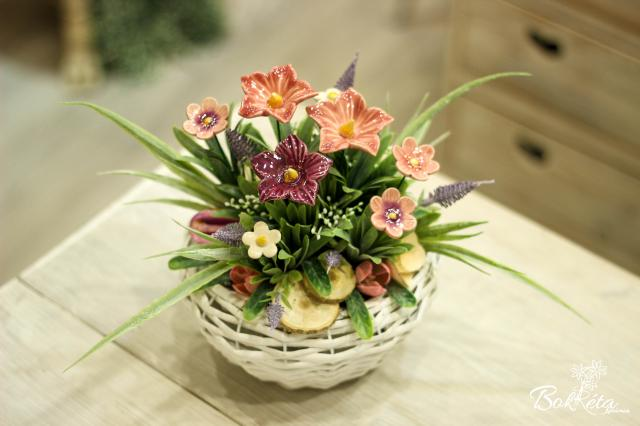 Ceramic flower: Little Basket - Pink meadow