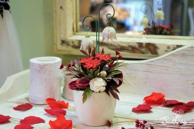 Ceramic flower: Mini Centerpiece - White Heather
