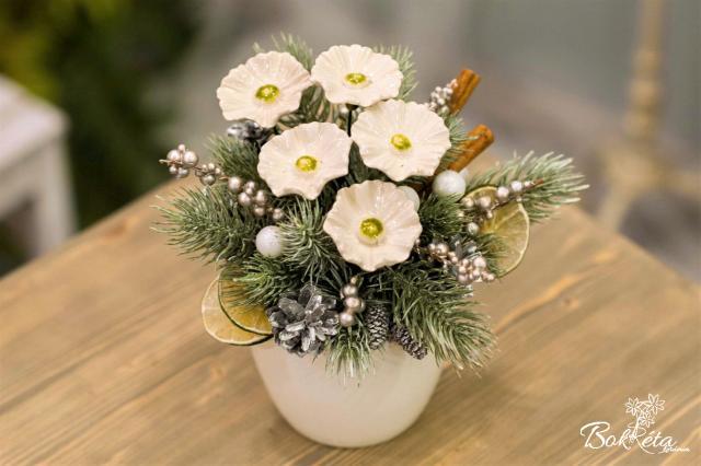 Ceramic flower: Large Christmas Centerpiece - Hellebore