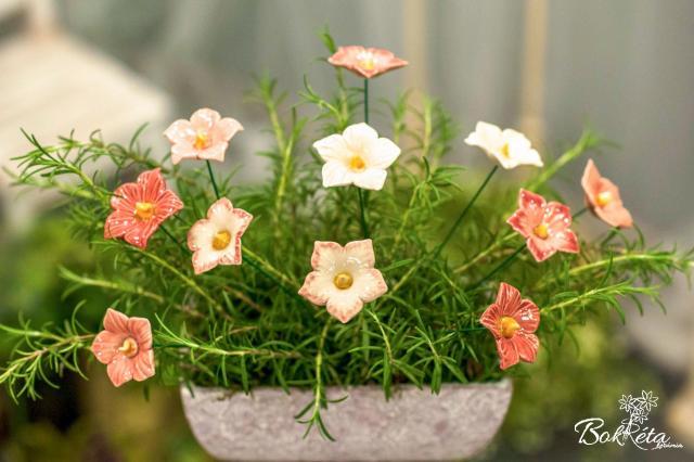 Ceramic flower: Mallow