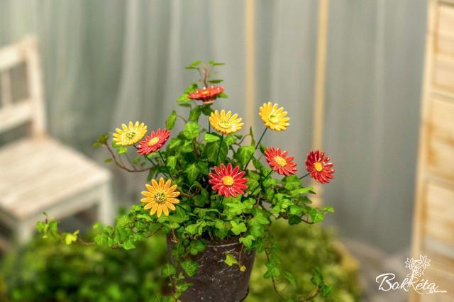 Ceramic flower: Meadow Daisy