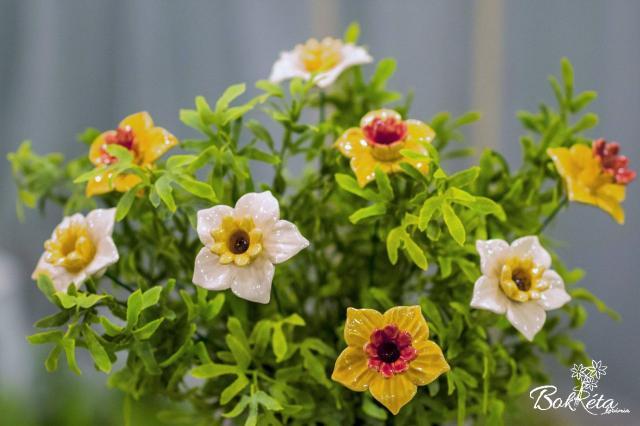 Ceramic flower: Daffodil