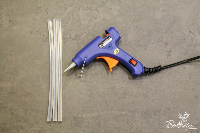Ceramic flower: Hot melt glue gun