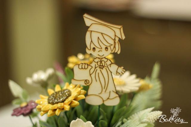 Ceramic flower: Graduation table - Boy figure