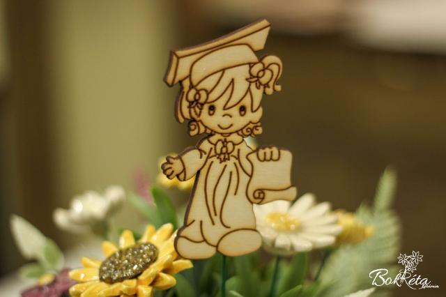 Ceramic flower: Graduation table - Girl figure
