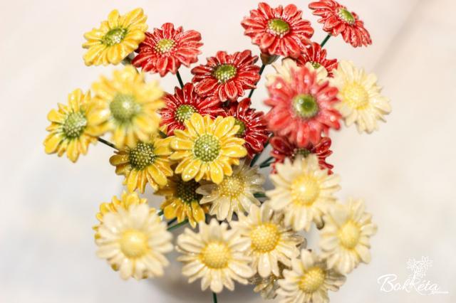 Ceramic flower: Little Meadow Daisy
