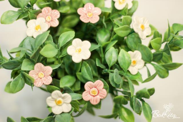 Ceramic flower: Strawberry Flower