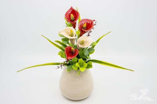 Kerámia virág: Fehér Váza Kálával