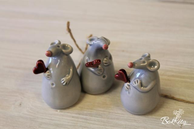 Ceramic flower: Mouse With Heart