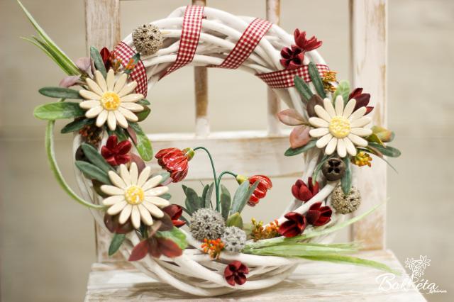 Ceramic flower: Bid Door Wreat -  White Daisy and Primrose
